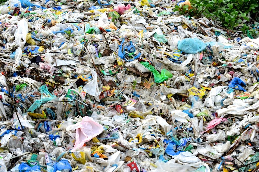 plastic bags pollution essay Essay on harmful effects of plastic bags sat gre gmat harmful effects of plastic bags essay pollution and its effects on the ecosystem.